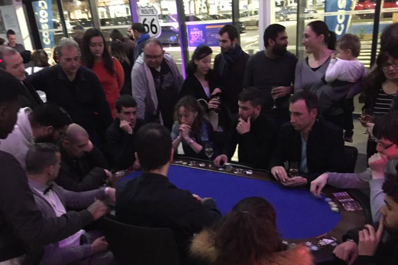location table de poker pour soirée du personnel